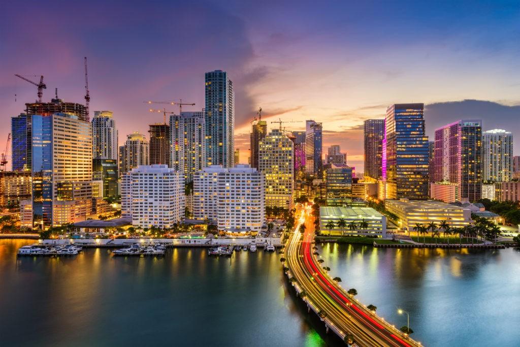 Miami, Floryda, panoramę USA na Zatoce Biscayne.