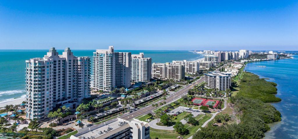 Clearwater Beach Floryda z powietrza. Dron powietrzny