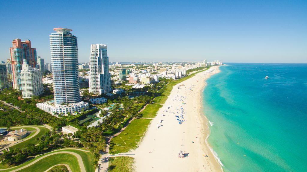 South Beach, Miami Beach. Floryda. Widok z lotu ptaka. Raj. South Pointe Park i molo
