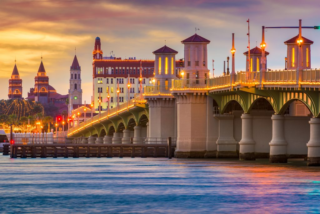 St. Augustine, Floryda, USA Skyline na Bridge of Lions.